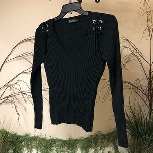 New York & Company black long sleeved sweater Sz L